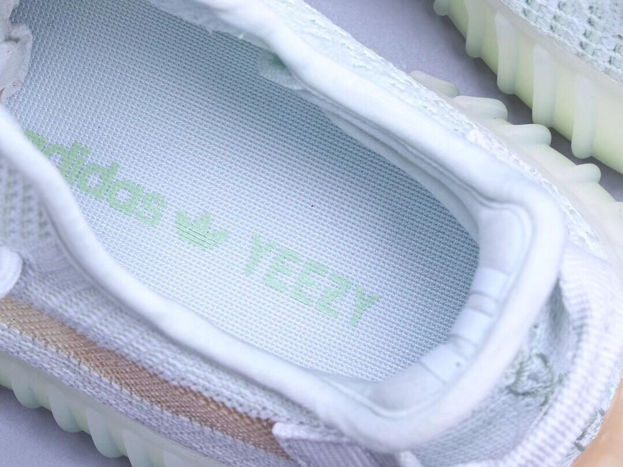 Adidas Yeezy 350 V2 shoes for women #360457 replica