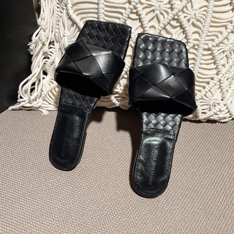 Alaïa Bombe studded suede sandals Black, Womens Black