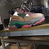 Balenciaga shoes for women #411970