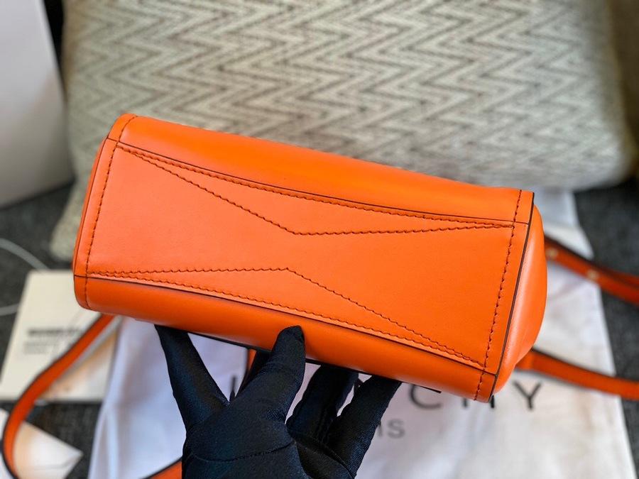 Givenchy AAA+ Handbags #420719 replica
