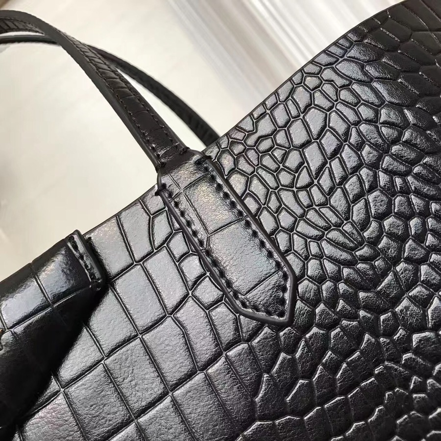 Givenchy AAA+ Handbags #429982 replica