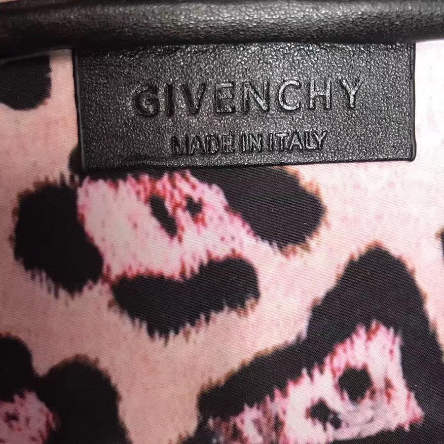Givenchy AAA+ Handbags #429984 replica