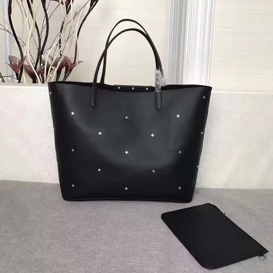 Givenchy AAA+ Handbags #429987 replica
