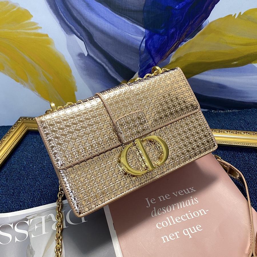 Dior AAA+ Handbags #430197 replica