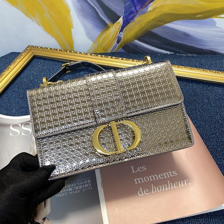 Dior AAA+ Handbags #430198 replica