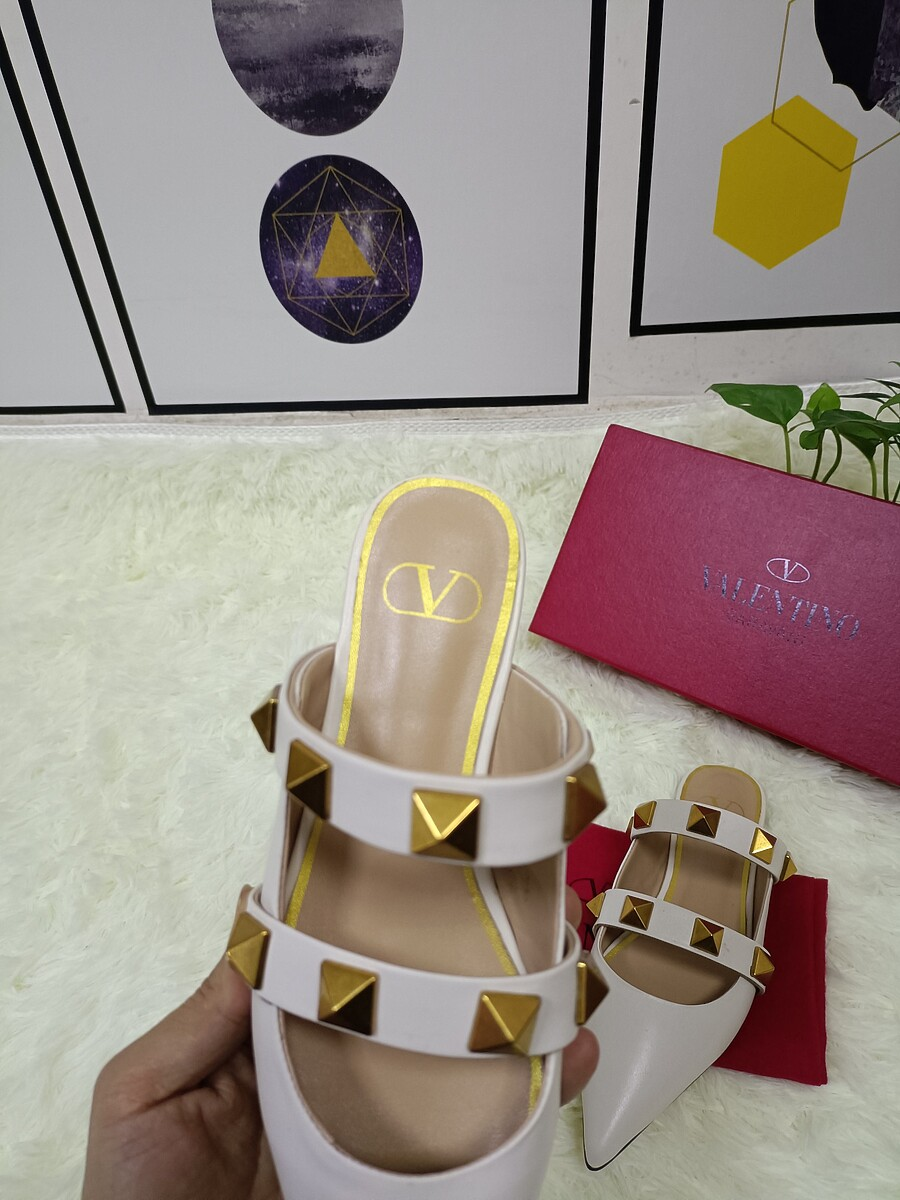 Valentino Shoes for VALENTINO Slippers for women #443866 replica