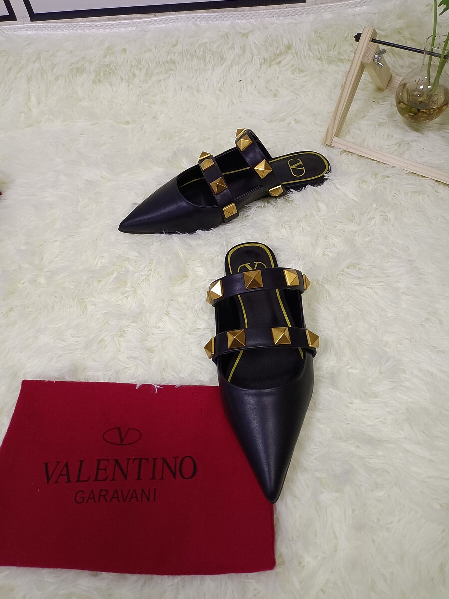 Valentino Shoes for VALENTINO Slippers for women #443869 replica