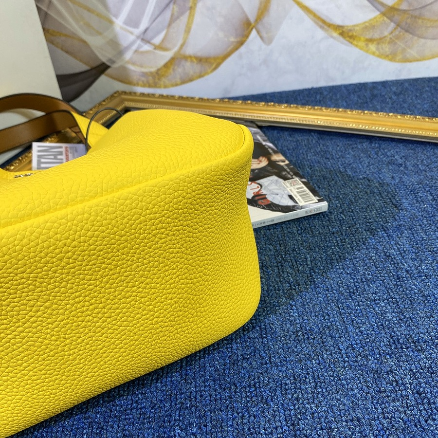 Prada AAA+ Handbags #444007 replica