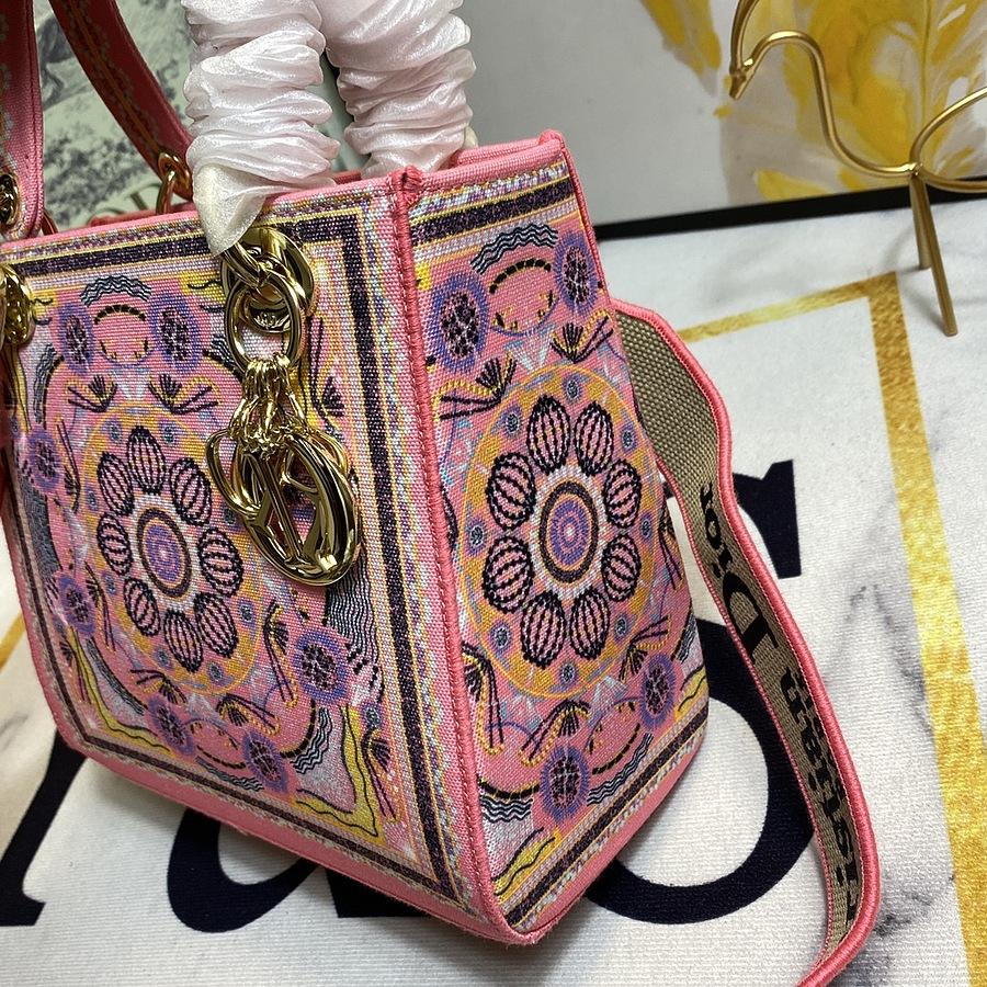 Dior AAA+ Handbags #444021 replica