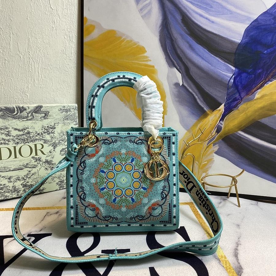 Dior AAA+ Handbags #444022 replica