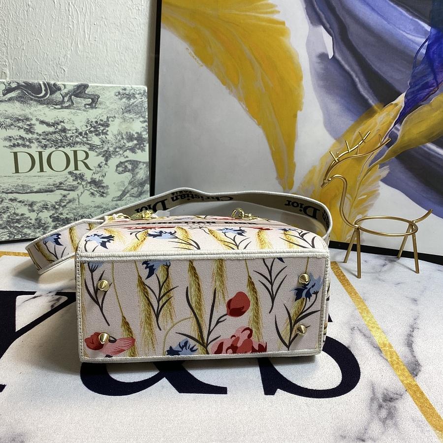 Dior AAA+ Handbags #444023 replica