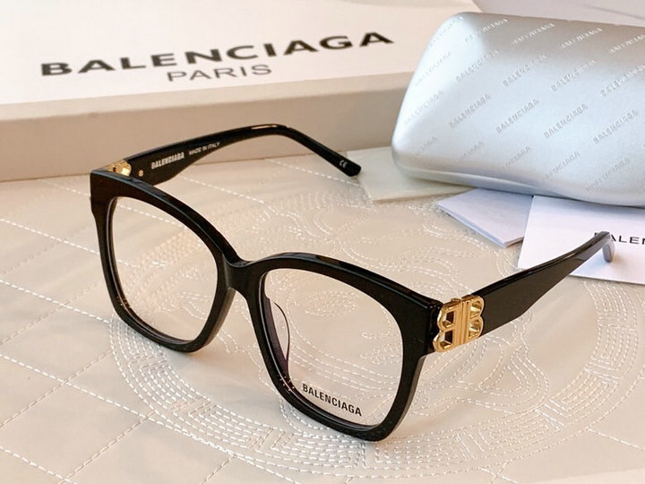 Balenciaga AAA+ Sunglasses #445842 replica