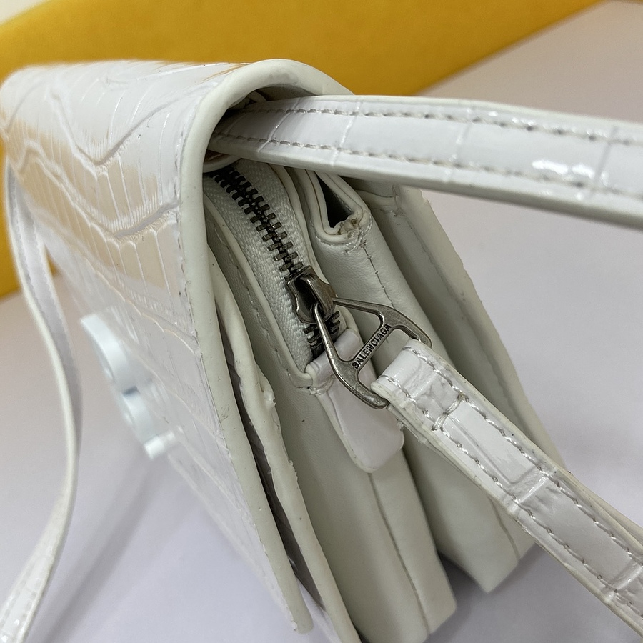 Balenciaga AAA+ Handbags #454186 replica
