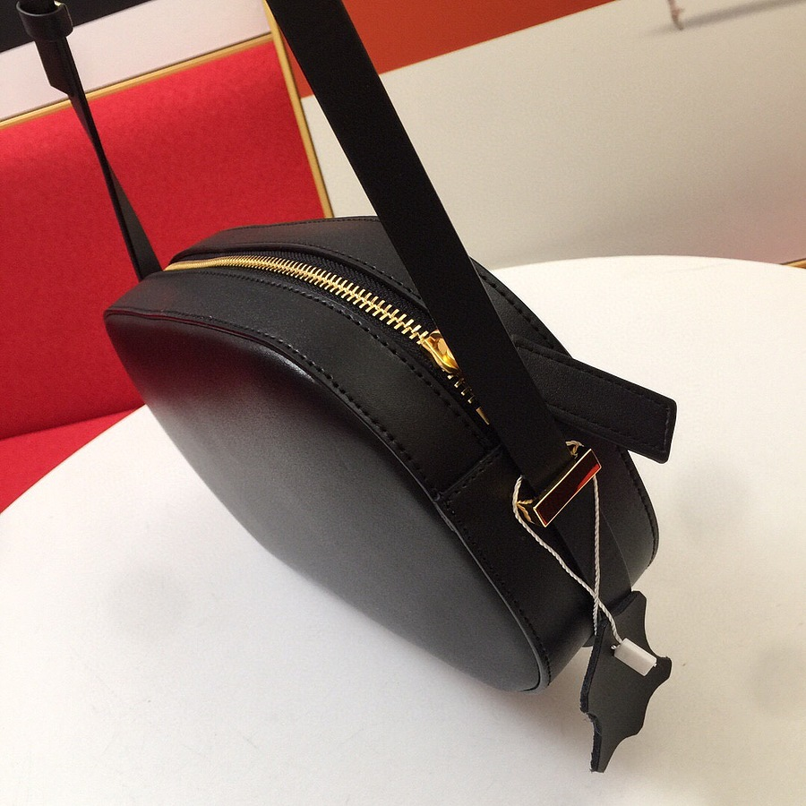 VALENTINO AAA+ Handbags #456371 replica