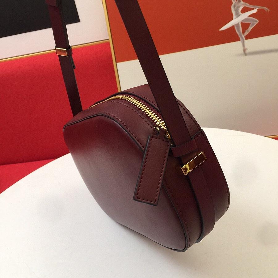 VALENTINO AAA+ Handbags #456372 replica