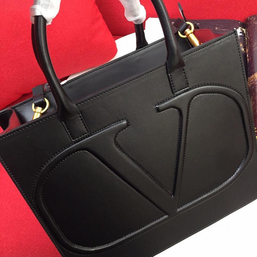 VALENTINO AAA+ Handbags #456375 replica