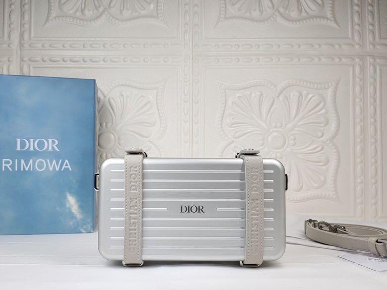 Dior AAA+ Cosmetic bag #456638 replica