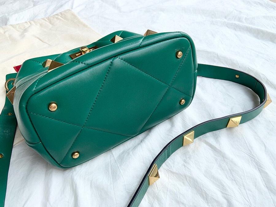 VALENTINO AAA+ Handbags #460599 replica