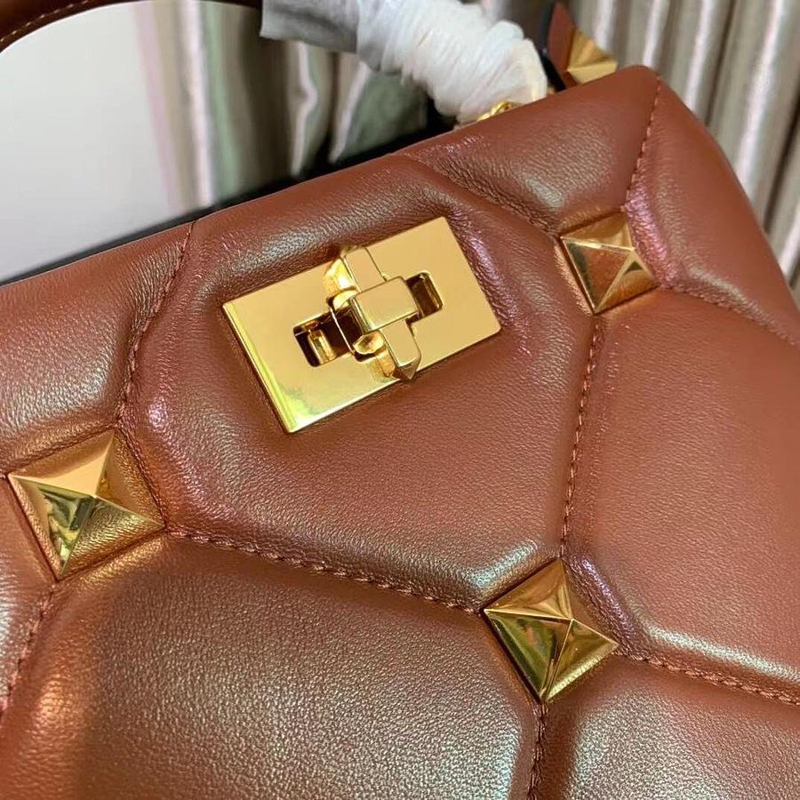 VALENTINO AAA+ Handbags #460601 replica