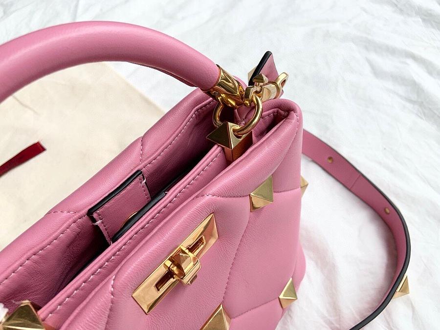 VALENTINO AAA+ Handbags #460602 replica