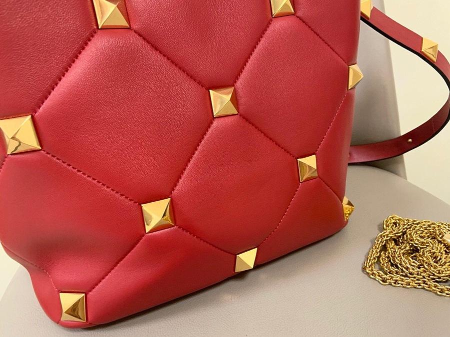 VALENTINO AAA+ Handbags #460605 replica