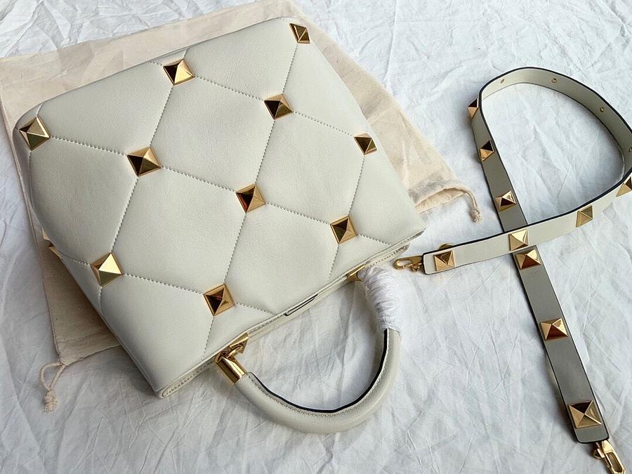 VALENTINO AAA+ Handbags #460606 replica