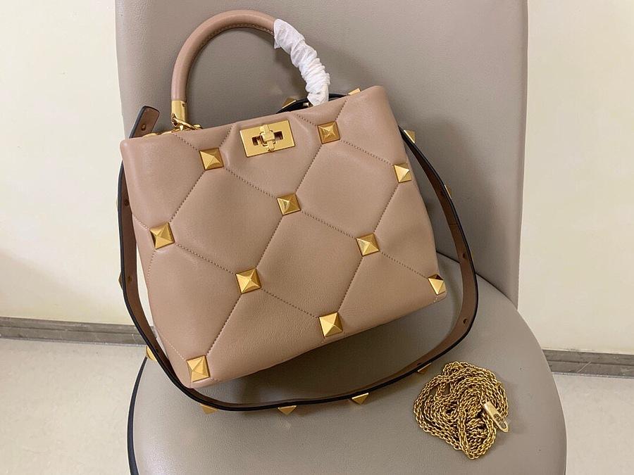 VALENTINO AAA+ Handbags #460608 replica