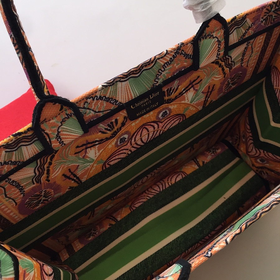 Dior AAA+ Handbags #460651 replica