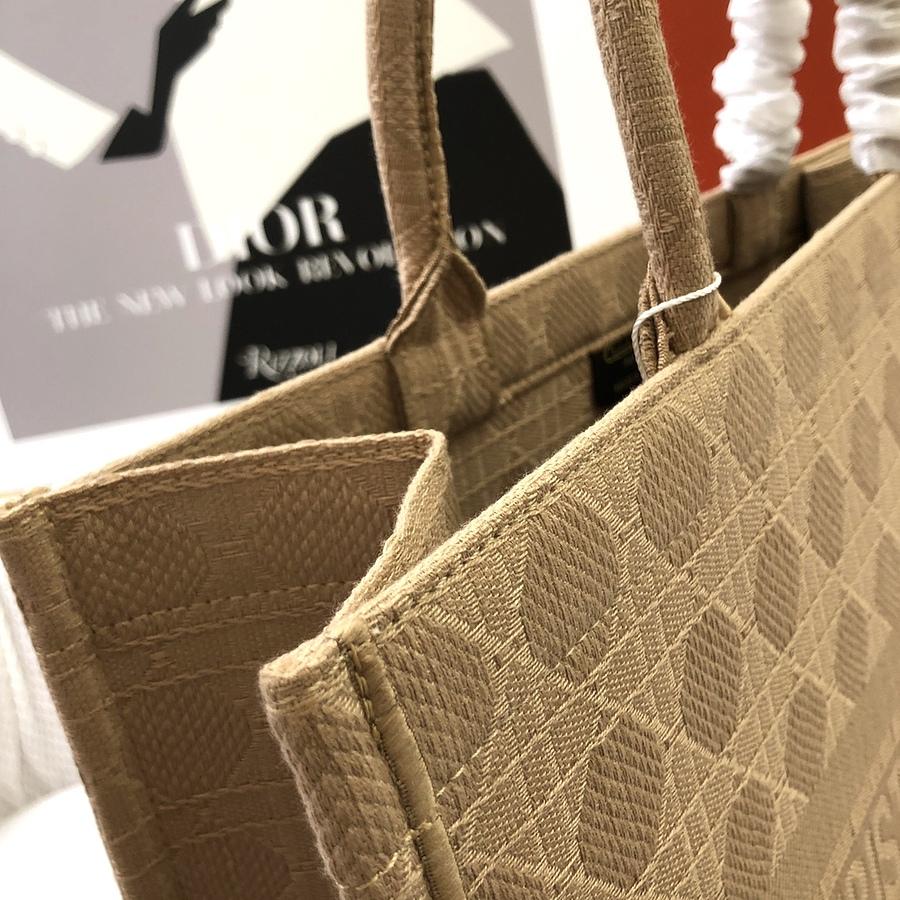 Dior AAA+ Handbags #460652 replica