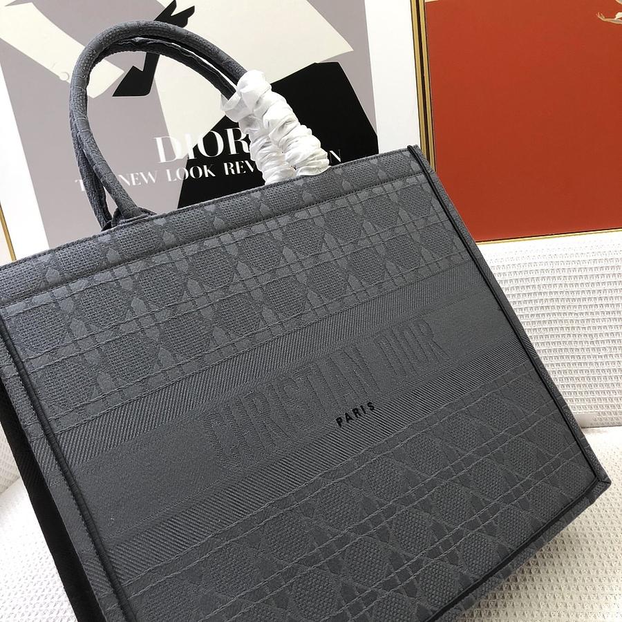 Dior AAA+ Handbags #460653 replica