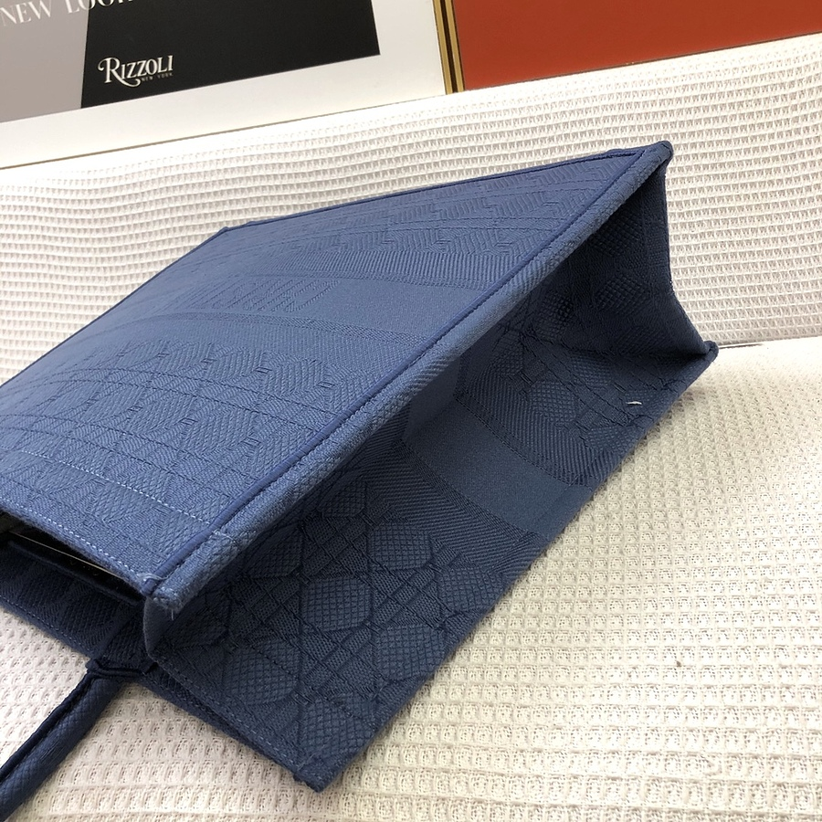 Dior AAA+ Handbags #460656 replica