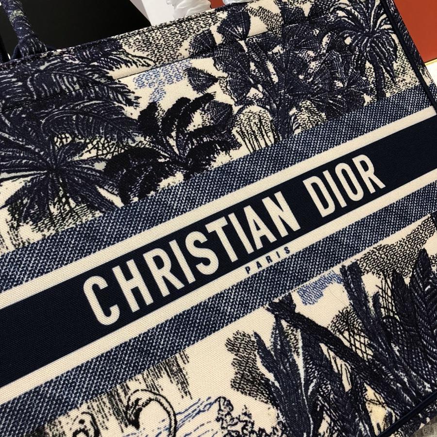 Dior AAA+ Handbags #460658 replica