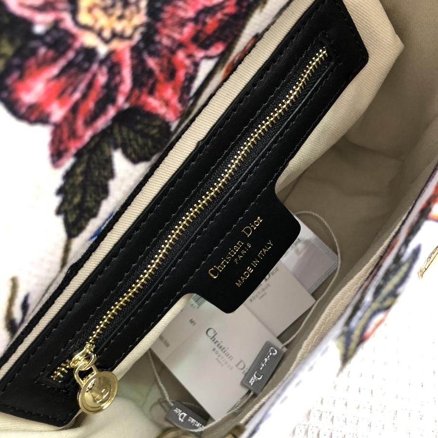 Dior AAA+ Handbags #460659 replica