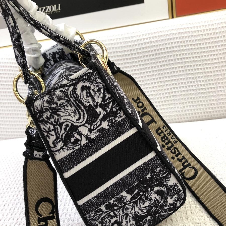 Dior AAA+ Handbags #460661 replica