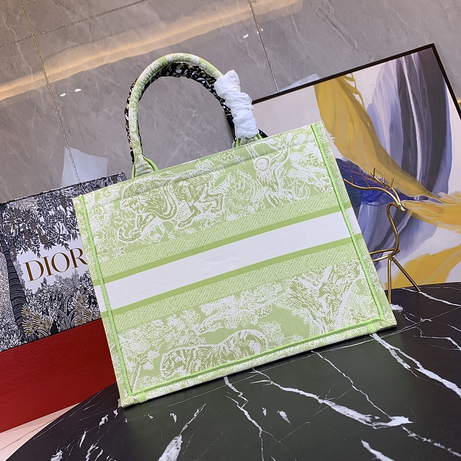 Dior AAA+ Handbags #460665 replica