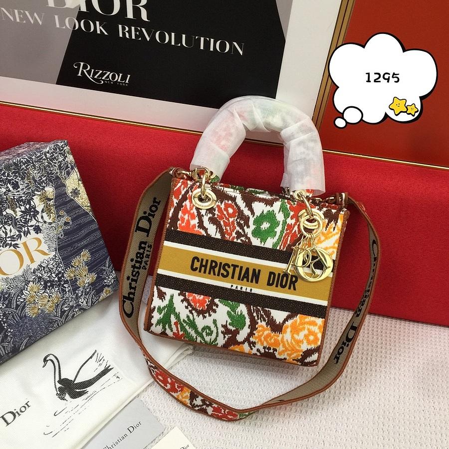Dior AAA+ Handbags #460674 replica