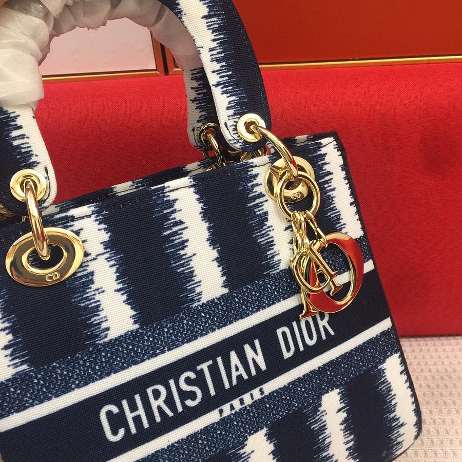 Dior AAA+ Handbags #460676 replica
