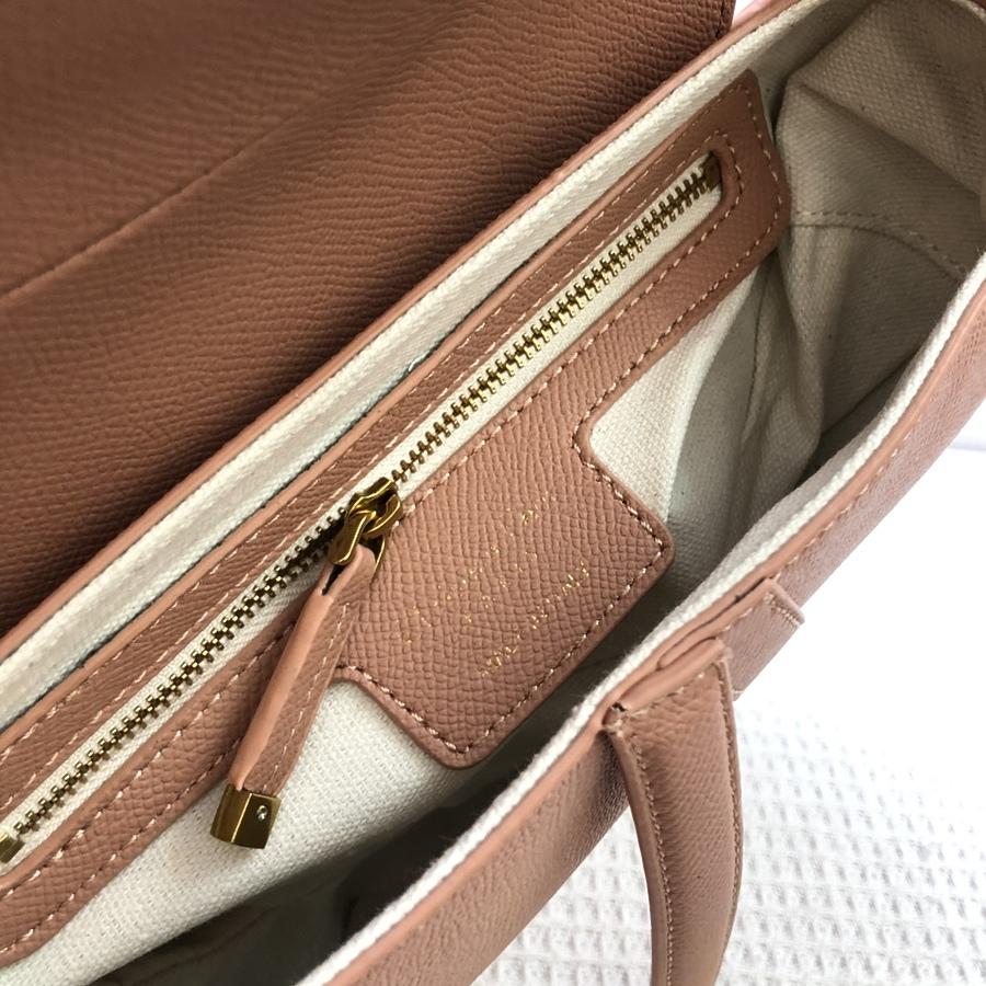 Dior AAA+ Handbags #460737 replica