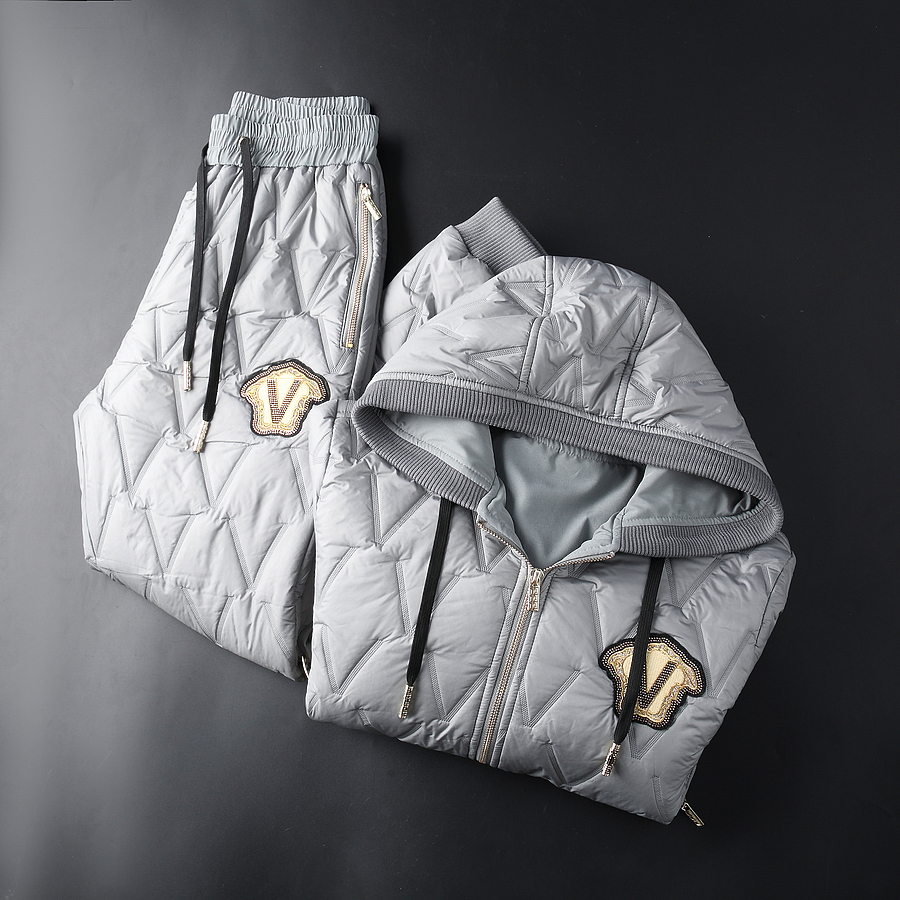versace Tracksuits for Men #478285 replica