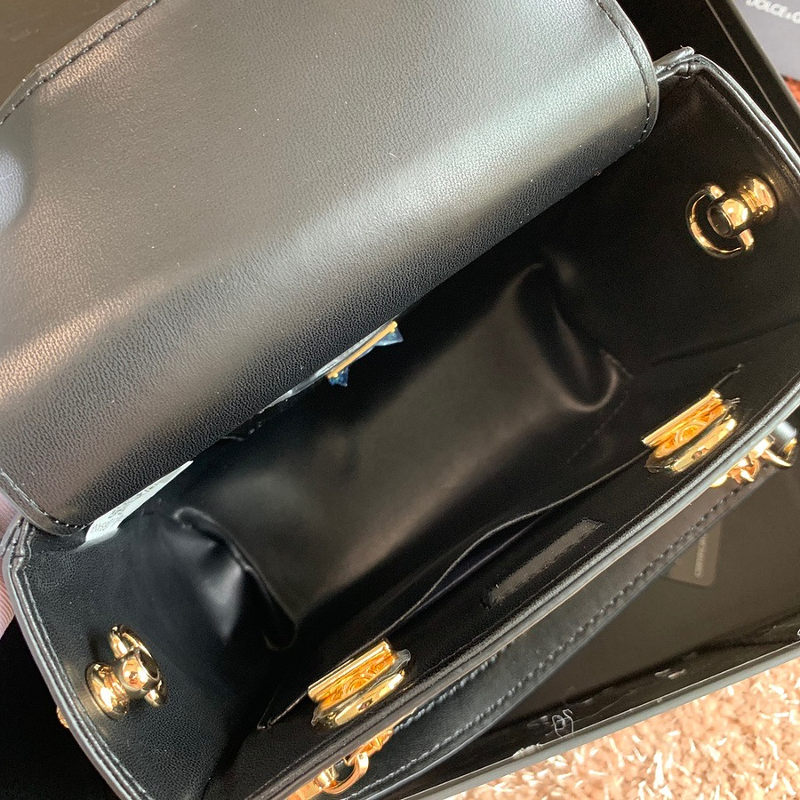 D&G AAA+ Handbags #482122 replica