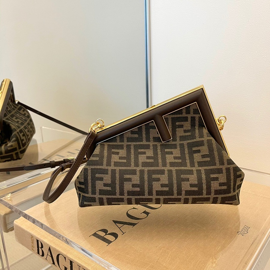 Fendi AAA+ Handbags #482465 replica