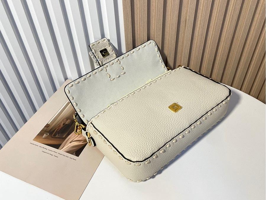 Fendi AAA+ Handbags #482468 replica